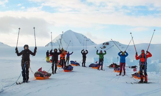 Crossing Svalbard Ski Expedition [ East to West ]